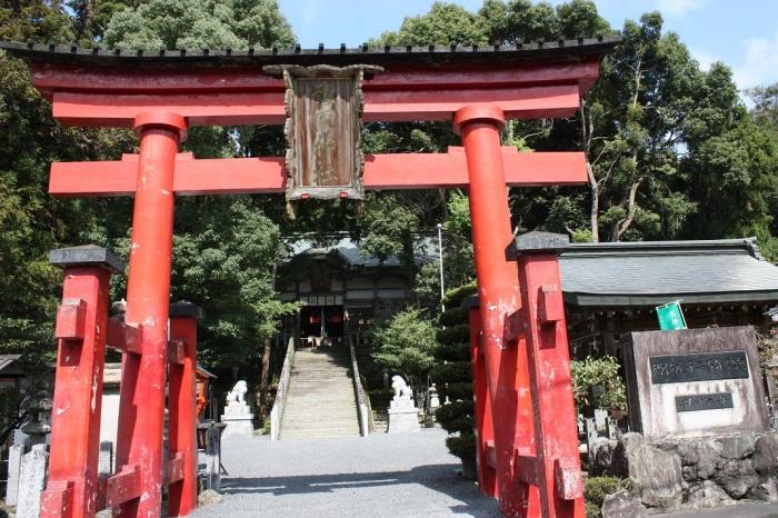 敢国(あえくに)神社