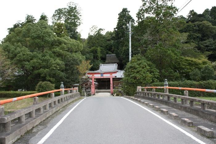 猪田(いだ)神社(下郡)