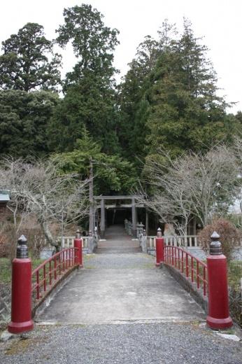 諏訪(すわ)神社